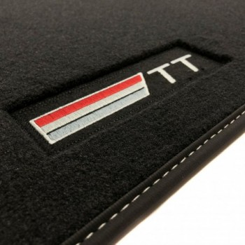 Tappetini Audi TT 8S (2014 - adesso) velluto logo